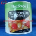 cheap canned fruit cocktail in light syrup - product's photo
