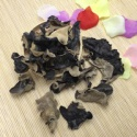 non-washed dried white black mushroom fungus - product's photo